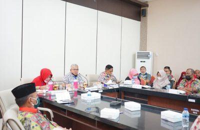 Wakil Bupati Amin Lasena Saat Memimpin Rapat
