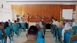 Bupati Bolmut Depri Pontoh bersama seluruh peserta Rapat (Foto: Prokopim)